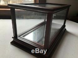 1/24 scale Model FRANKLIN MINT DISPLAY CASE wood with glass sides & mirror floor