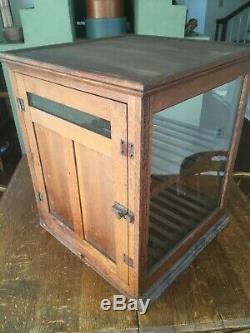 ANTIQUE COLUMBUS SHOWCASE CO. BREAD DISPLAY with2 SHELVES, SCREEN & CRUMB CATCHER