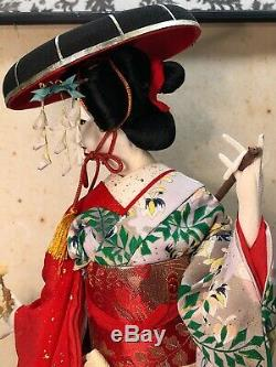 Antique Vintage Japanese Geisha figure w silk clothes in wooden display case