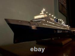 Greek Passenger Ship 1/170 Scale Static Model + Display Case & Free Shipping