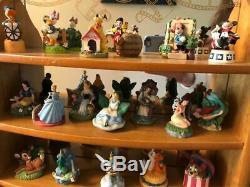 Lenox Disney 23 Thimble Set with WOOD MIRROR DISPLAY Magic Sewing Thimble