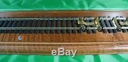 Lionel O Gauge Locomotive Operating Roller Base/ Display Case 34 1/2