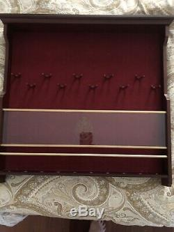 Noble Collections HARRY POTTER HOGWARTS 10 WAND WOOD WALL DISPLAY CASE WithO Wands