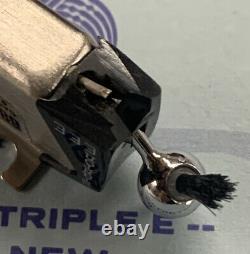 Stanton 681eee Cartridge & Genuine Stanton D6800eee Stylus In Wood Display Case