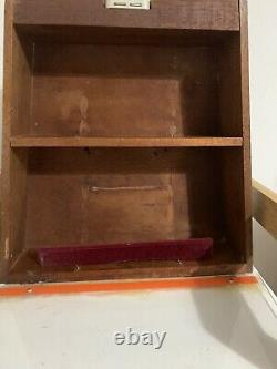 Vintage Willem II Cigars Shop Tabaconist Display Case Box
