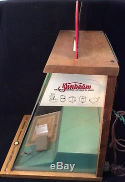 Vtg 50s Sunbeam Shavemaster Glass & Wood Lighted Store Counter Display Case Rare